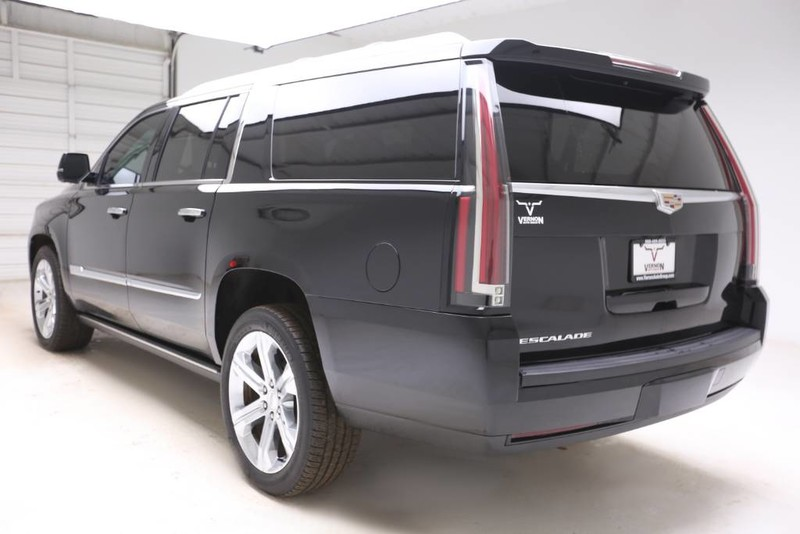 Pre-Owned 2016 Cadillac Escalade ESV Premium Collection